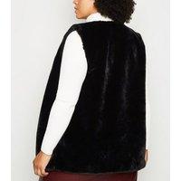 'Curves Black Faux Fur Gilet New Look
