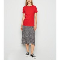 Red Roll Sleeve T-Shirt New Look