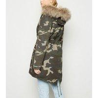 Green Camo Faux Fur Trim Hooded Parka New Look