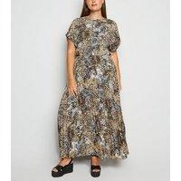 Curves Brown Leopard Print Pleated Maxi Dress New Look