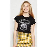 Girls Black Hogwarts Chest Cropped T-Shirt New Look