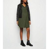 Maternity Green Jersey Spot Wrap Dress New Look