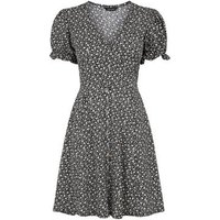 Black Ditsy Floral Puff Sleeve Tea Dress New Look