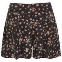 Black Floral Flippy Shorts New Look