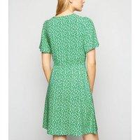 Green Floral Puff Sleeve Tea Dress New Look
