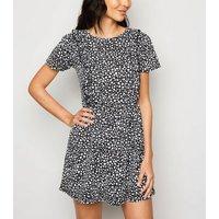 Cameo Rose Black Spot Short Sleeve Dress New Look