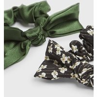 2 Pack Green and Black Floral Metallic Bow Scrunchies New Look