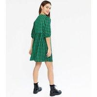 Petite Green Gingham Textured Mini Smock Dress New Look