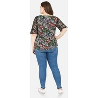 Yumi Curves Black Floral Lace Sleeve Top New Look
