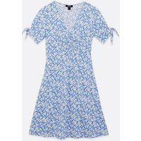 Maternity Blue Floral Tie Sleeve Tea Dress New Look