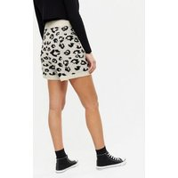 Zibi-London-Black-Leopard-Pattern-Knit-Shorts-New-Look