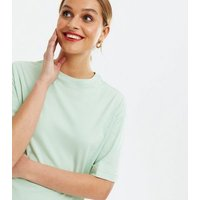 2 Pack Light Green and White Oversized T-Shirts New Look