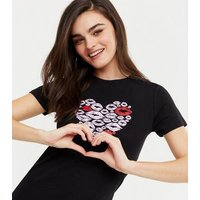 Black Short Sleeve Heart Lips T-Shirt New Look