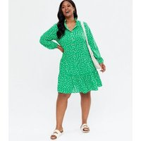 Yumi-Curves-Green-Ditsy-Floral-Tiered-Tunic-Dress-New-Look