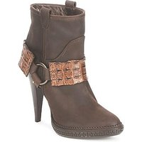 Roberto Cavalli  QPS577 PK206  women s Low Ankle Boots in Brown