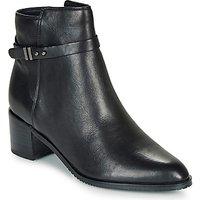Clarks  Poise Freya  women's Low Ankle Boots in multicolour