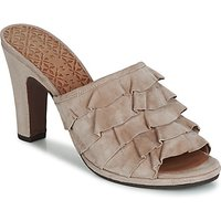 Chie Mihara  ABEJA  women's Mules / Casual Shoes in Beige