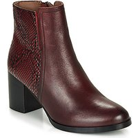 André  NILA  women's Low Ankle Boots in Red