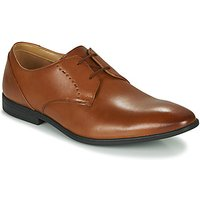 Clarks  BAMPTON LACE  men's Casual Shoes in Brown