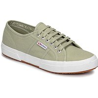 Superga  2750-COTU CLASSIC  women's Shoes (Trainers) in Green