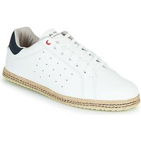 André  STANISH  men's Espadrilles / Casual Shoes in White