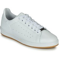 André  MATT  men's Shoes (Trainers) in White