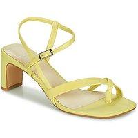 Vagabond Shoemakers  LUISA  women's Sandals in Yellow