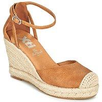 Xti  NINA  women's Espadrilles / Casual Shoes in Brown