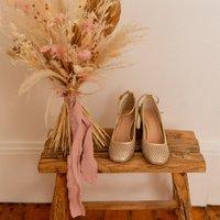 Céleste  MIRABELLE  women's Court Shoes in Gold