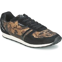 Diesel  CAMOUFLAGE  women's Shoes (Trainers) in Brown