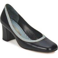 Sarah Chofakian  SHOE HAT  womens Court Shoes in Black