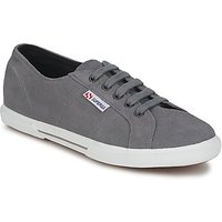 Superga  2950  men's Shoes (Trainers) in Grey