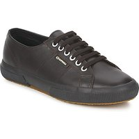 Superga  2750  men's Shoes (Trainers) in Brown