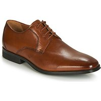 Clarks  GILMAN LACE  men's Casual Shoes in Brown
