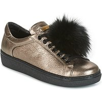 Tosca Blu  CERVINIA POM PON  women's Shoes (Trainers) in Gold