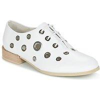 Café Noir  IVET  women's Casual Shoes in White