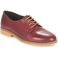 Casual Attitude  JAGAZZA  women's Casual Shoes in Red