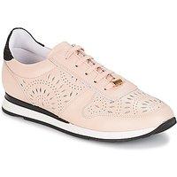 André  OPALINE  women's Shoes (Trainers) in Beige