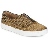 Andre  ROYAUME  women's Slip-ons (Shoes) in Green