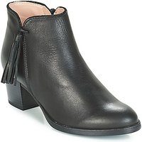 André  PERRINE  women's Low Ankle Boots in Black