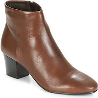 André  FAME  women's Low Ankle Boots in Brown