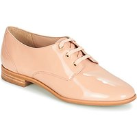 André  PAULINA  women's Casual Shoes in Beige