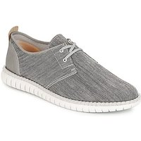 Clarks  MZT Freedom  men's Shoes (Trainers) in Grey