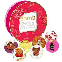 Bath Bomb Merry Chic mas Creamer Set.