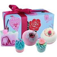 Bath Bomb Love Potion Gift Set.