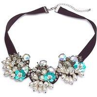 Floral Pearl Collar.