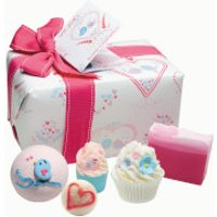 Bomb Cosmetics Love Birds Gift Pack - Birds Gifts