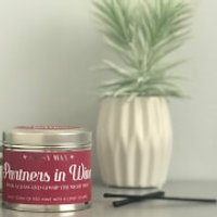 La de da! Living Sassy Wax Partners in Wine - Pour a Glass and Gossip The Night Away Candle 300g - Candle Gifts