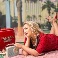 1950's Vintage Makeover and Photoshoot with £50 Off Voucher - Makeover Gifts