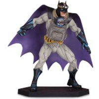 DC Collectibles Dark Nights: Metal Statue Batman with Darkseid Baby 15 cm